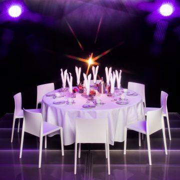 Eventmobiliar und Tischwäsche